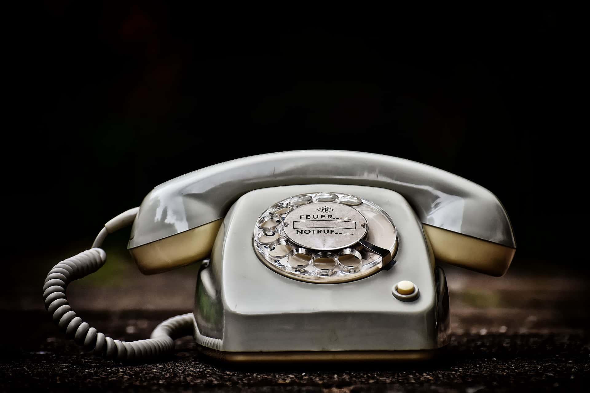 communiquer avec les organismes sociaux